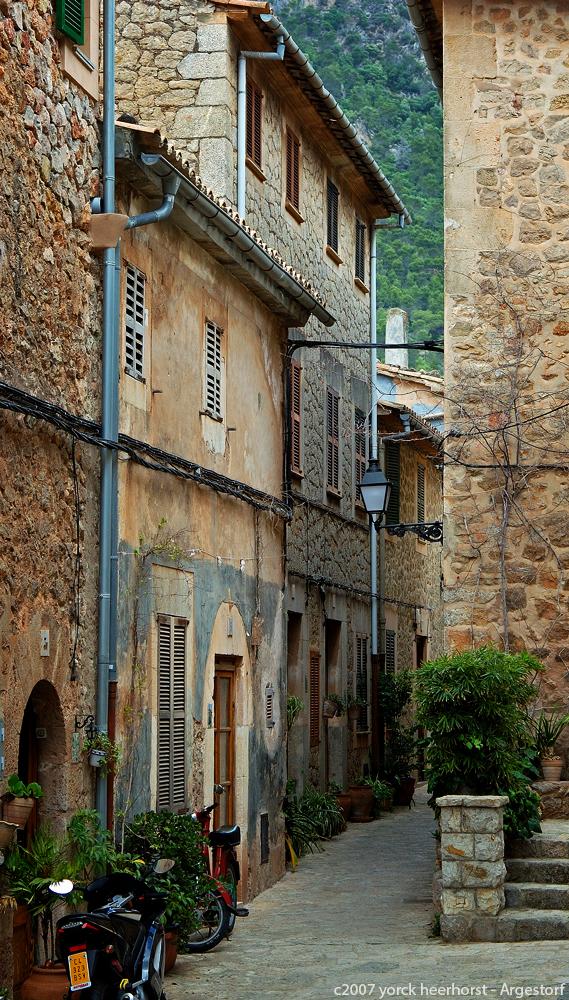 Mallorca, Gasse